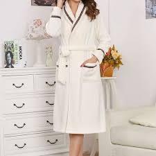 sexe femme de chambre robe de chambre blanc avec liseré femme appeal lepeignoir fr