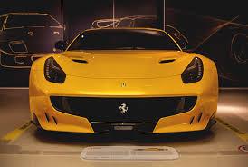 orange ferrari ferrari u201c muziejus maranello u2013 žvilgsnis į automobilių sporto