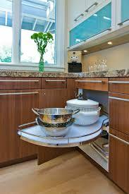 tiroir angle cuisine tiroir angle cuisine astuces gain de place pour la cuisine with
