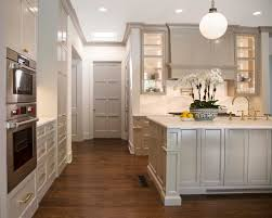 Kitchen Cabinet Molding by Painting Crown Molding To Match Cabinets An Example In Sherwin