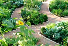 fabulous traditional how to build a vegetable garden fence