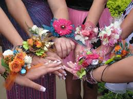 Corsage For Homecoming I Hope Wrist Corsages Make A Comeback Mums The Word