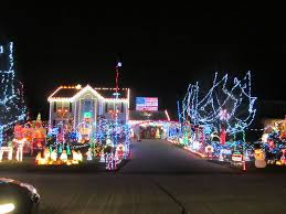 north ridgeville christmas display of 45 000 lights attracts