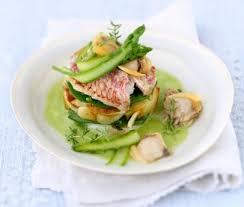 cuisiner rouget recette mille feuilles de rouget petits pois gourmands et pommes de