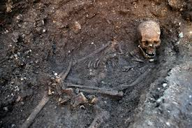 king richard iii will be reburied in leicester high court rules