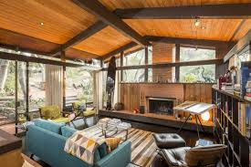 staples center architect lists post and beam in woodsy setting for