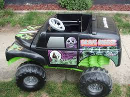monster truck power wheels grave digger gravedigger monster truck by powerwheels fisher price on popscreen