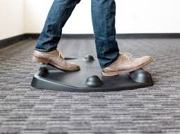 your new best friend why a standing desk mat will change the way you stand at work cubefit world s best standing desk mat