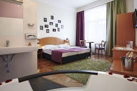 chambre avec bain a remous chambres avec bain a remous pour se relaxer a volonte hotel
