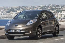nissan leaf acenta review nissan turns over a new leaf with extended battery range carbuyer