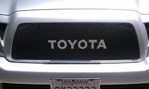 toyota trucks emblem painted color toyota emblems tacoma