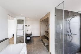 badezimmer mit sauna und whirlpool uncategorized ehrfürchtiges badezimmer mit sauna und whirlpool