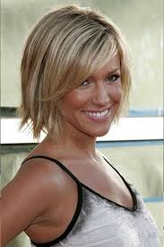 hairstyle wedge at back bangs at side choppy hair cut with side fringe