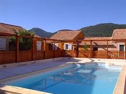 chambre d hotes alpes de haute provence pavillon de cagne avec piscine chauffée à andré les alpes