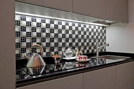 faience en verre pour cuisine des idées de carrelages pour votre cuisine ideeco