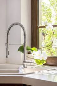 buying a kitchen faucet best kitchen faucet reviews complete guide 2017