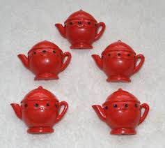 Kitchen Collectibles Vintage Retro Shabby Red Plastic Teapot Kitchen Curtain Push Pin