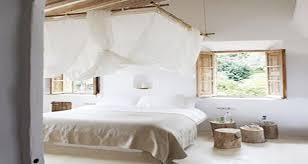 deco pour chambre le ciel de lit pour une déco romantique de la chambre