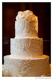 love the technique of the design on this wedding cake someday