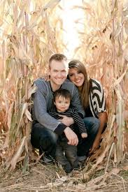50 family photoshoot ideas to try out this weekend