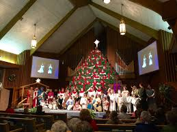 the singing christmas tree at murphy first baptist church in