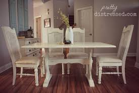 Distressed White Table Pretty Distressed Using A Polycrylic Sealer With Chalk Paint