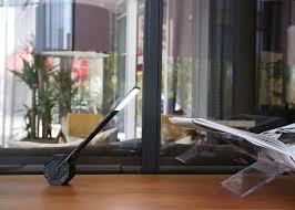 le bureau led sans fil le de bureau a led design high tech chez ksl living
