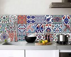 credence cuisine imitation carrelage crédence cuisine carreaux de ciment patchwork et artistique