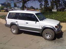 white mitsubishi montero 1994 mitsubishi montero information and photos zombiedrive