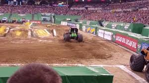 grave digger 30th anniversary monster truck bad run by the grave digger back flip in a monster truck