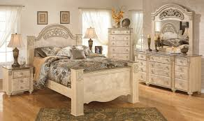 Buy Ashley Furniture Saveaha Poster Bedroom Set - Ashley furniture bedroom sets prices