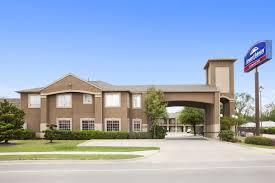 Hotels Next To Six Flags Over Texas Howard Johnson Express Inn Grand Prairie Near Lone Star Park