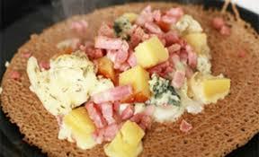 cuisine traditionnelle bretonne galette raclette recette facile de la galette à la raclette
