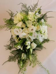sandra u0027s flower studio white and ivory wedding flowers