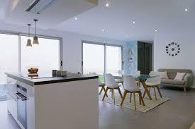 cuisine blanche ouverte sur salon bien cuisine blanche ouverte sur salon 2 baie vitr233e