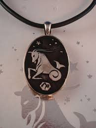 pendant engraving capricorn symbol zodiac sign necklace reversible metal pendant w