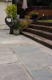 Indian Sandstone Patio by Best 25 Sandstone Paving Ideas On Pinterest Sandstone Pavers