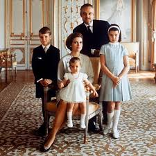 Family Portrait 1969 A Formal Family Portrait At The Palace In Monaco Grace