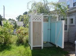 cool outdoor shower enclosure ideas