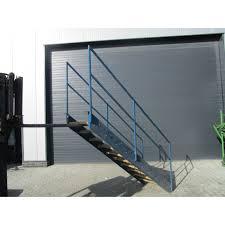 stahl treppe stahltreppe treppe werkstatttreppe bautreppe gebraucht nr 5086