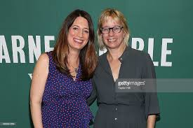 Barnes And Noble Union Square Nyc Gillian Flynn In Conversation With Laura Lippman Photos And Images