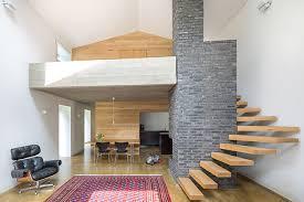 rivestimenti interni in legno tetto verde e rivestimento in legno di abete per uniformarsi al