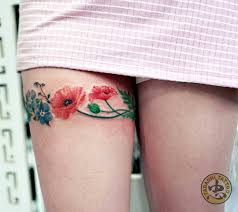 maple leaf tattoo meaning impressive tattoos for women