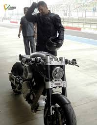 hellcat x132 dhoni ten reasons why dhoni s a total badass biker