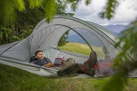 lightweight suspended tree tent can hold a whopping 700 pounds