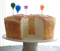 sponge cakes chic angel food cake decorating idea in le white