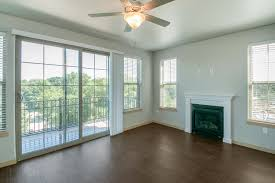 1 bedroom apartments in iowa city 808 c with balcony 2 bedroom apartment coralville iowa 808 on