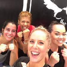 what does hoda kotb use on her hair hoda kotb works up a sweat at boxing class daily mail online