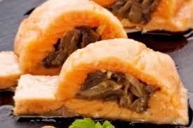 cuisiner filet de saumon recette de filet de saumon farci aux chignons rapide