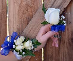 Corsage And Boutonniere Set Traditional Corsage And Boutonniere Set In Irvine Ca Flower Synergy